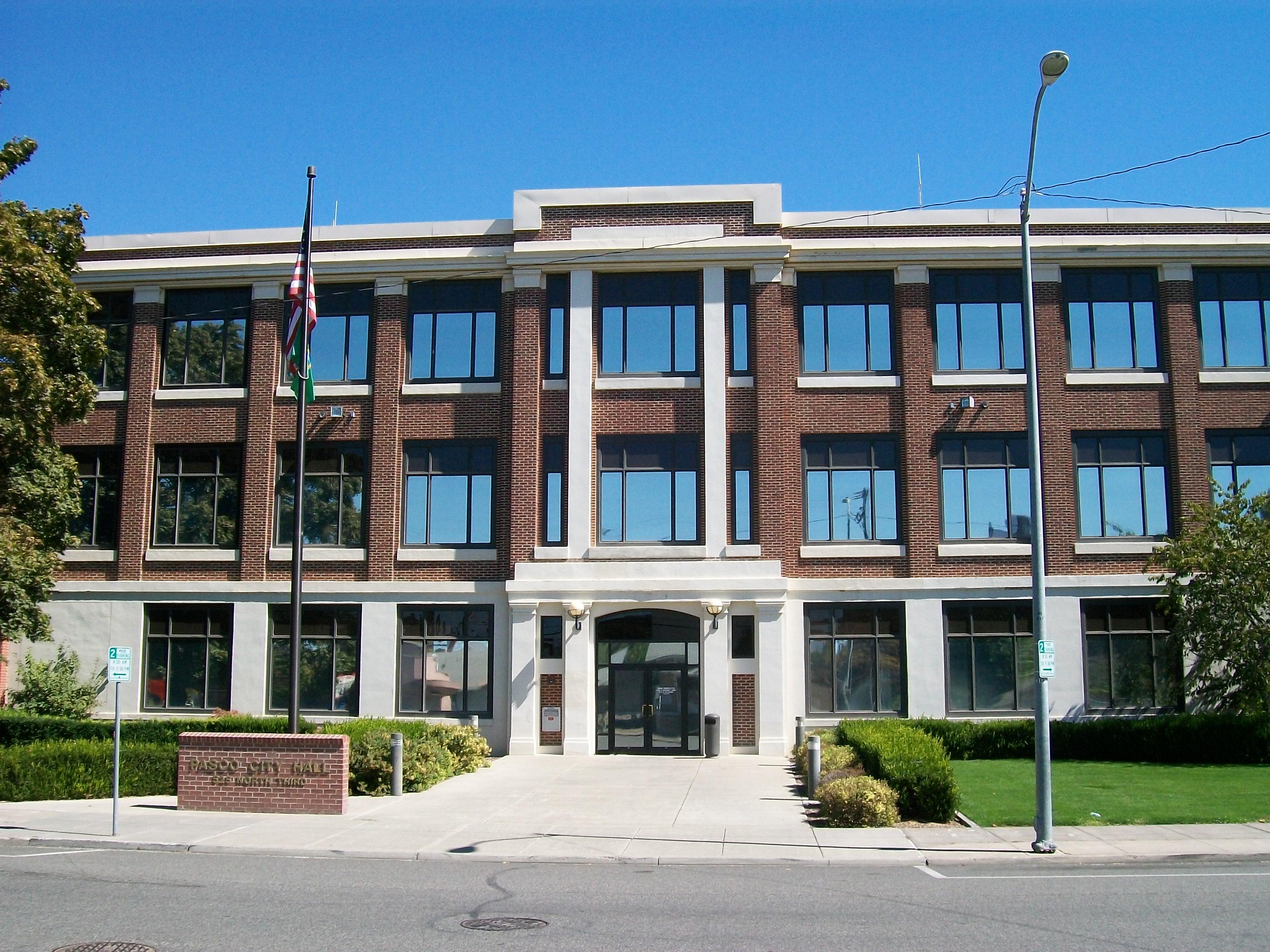 City_Hall_in_Pasco,_Washington_2